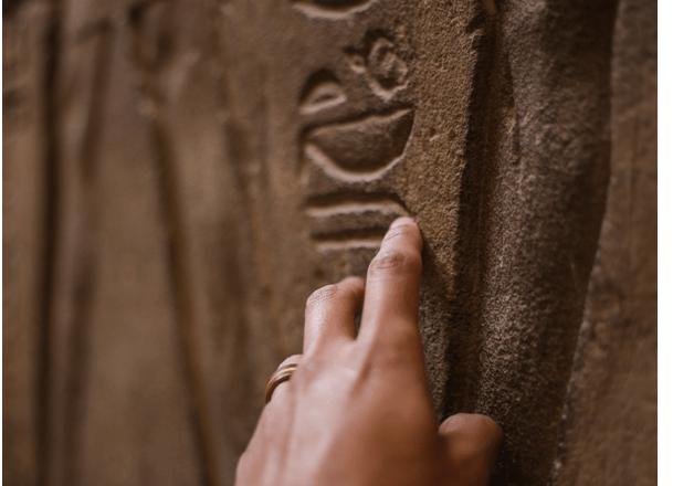 Yapay zekâ dilbilimin en eski gizemlerinden birini çözebilir mi?
